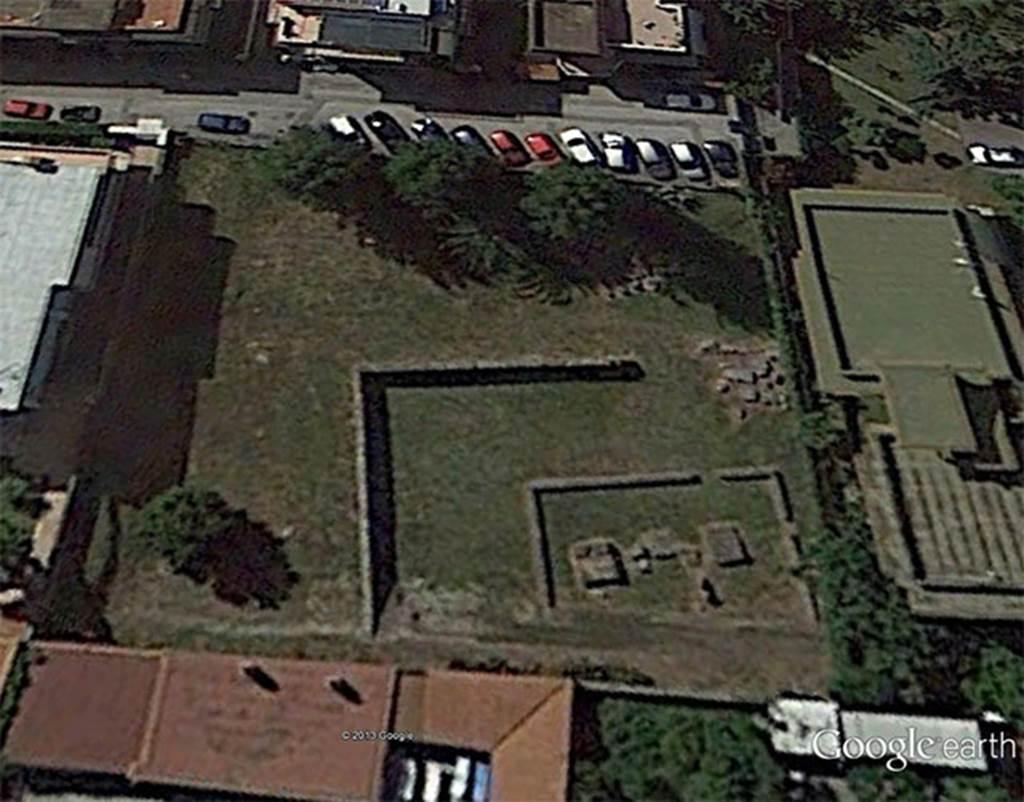Santuario extraurbano del fondo Iozzino. Statue of Hecate-Artemis. It was reconstructed from fragments. Height is 78,9cm; Width max. 34,5cm; Profile 22,8cm. Now in SAP deposits, inventory number 13152. See D'Ambrosio A., Borriello M. 1970. Le Terrecotte Figurate Di Pompei. Roma: L'Erma di Bretschneider, 18, p. 24, tav. 5.